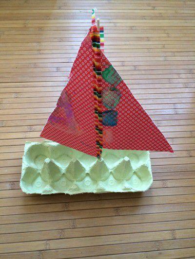 Eierkartonschiff die kleine botin