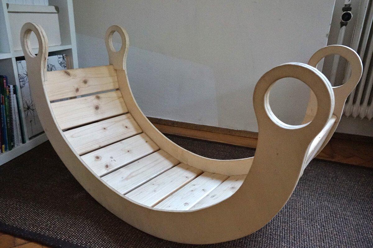 schaukel wippe aus holz. Black Bedroom Furniture Sets. Home Design Ideas
