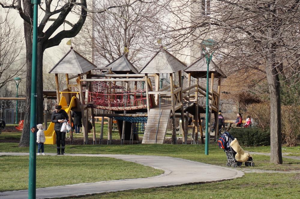 spielplatz-alfred-gruenwald-park-die kleine botin-2