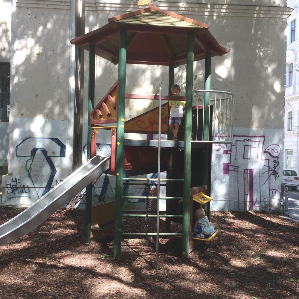 spielplatz-kirchberggasse-die kleine botin-2
