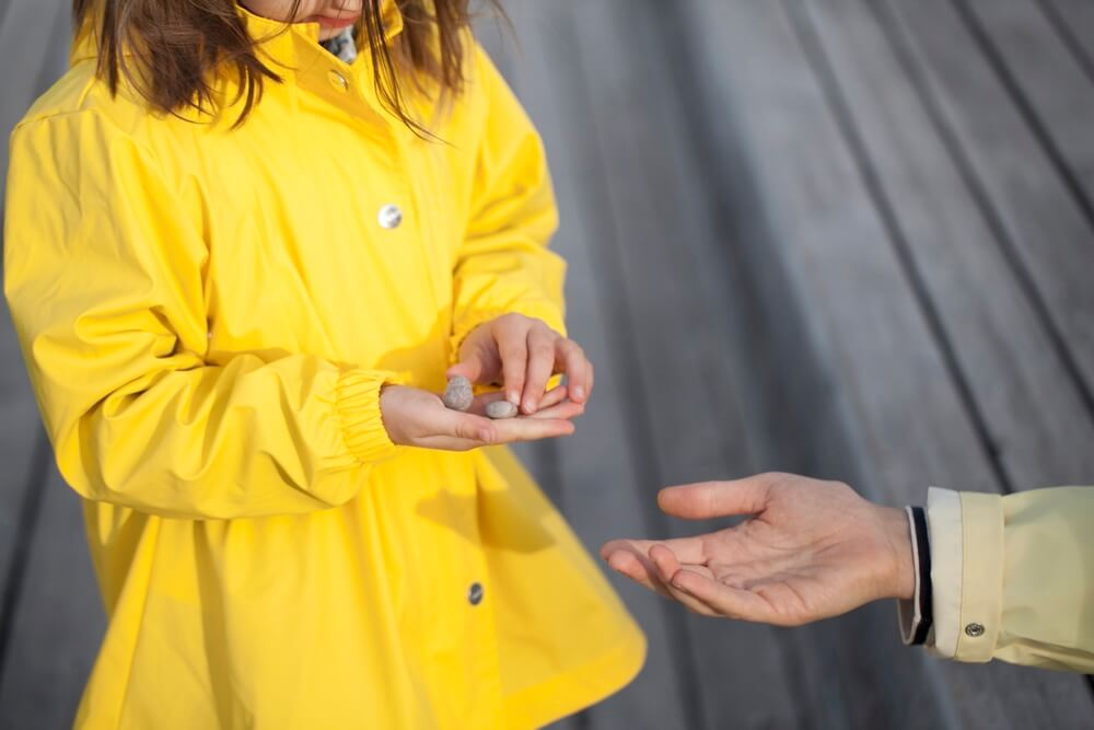 rains-sways-regenmantel-die-kleine-botin-1