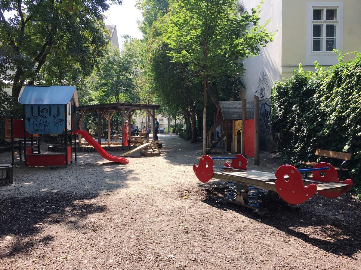 spielplatz-siebensterngasse-die-kleine-botin-beitragsbild
