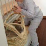 Spielzeug Alltag Weidenkorb Holz die kleine botin