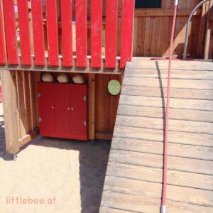 sommer-am-spielplatz-feuerwehr-littlebee-die kleine botin-8