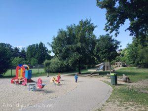 sommer-am-spielplatz-fitundgluecklich-die kleine botin-3