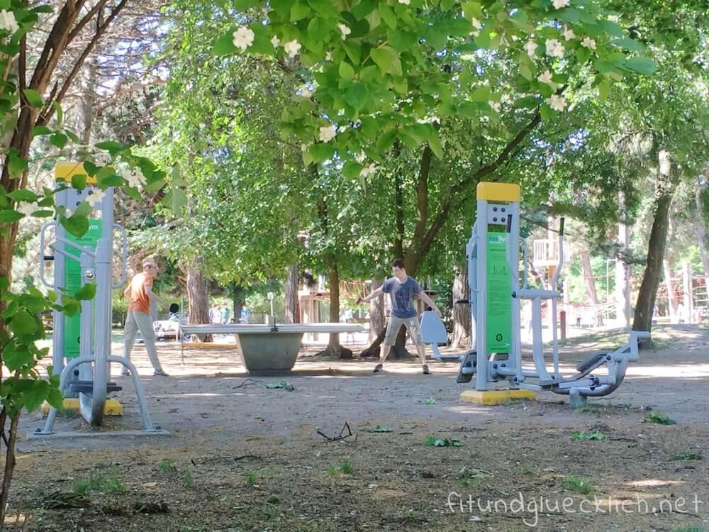 sommer-am-spielplatz-fitundgluecklich-die kleine botin-5
