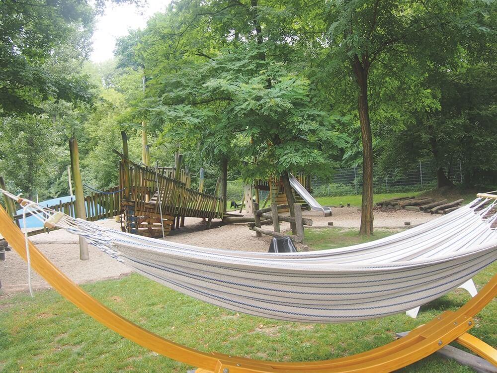 Spielplatz-sommer-am-spielplatz-garten-tulln-die kleine botin