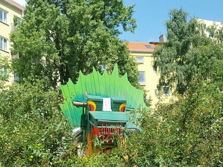 drachenspielplatz berlin grosse koepfe die kleine botin 1