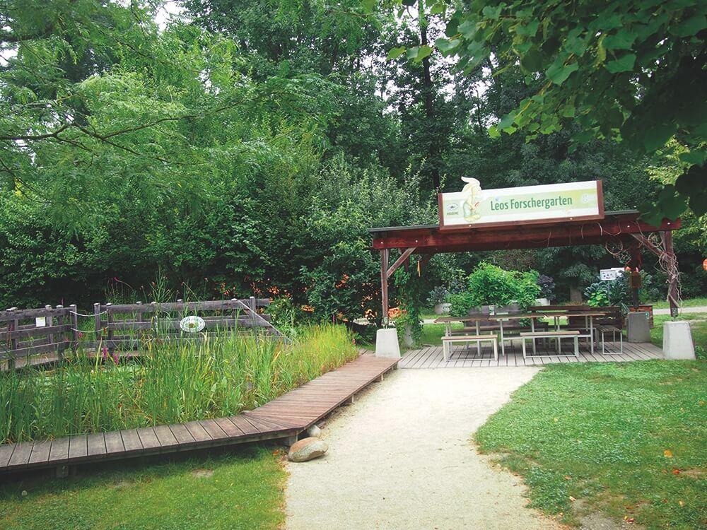 sommer-am-spielplatz-garten-tulln-Forschergarten-die kleine botin