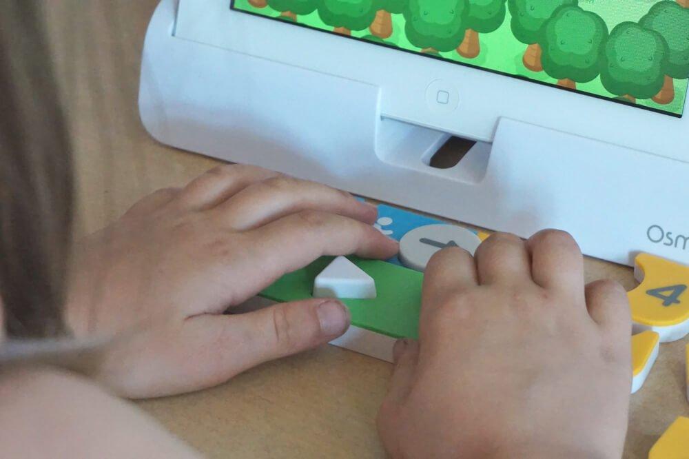 play-osmo-die-kleine-botin-1