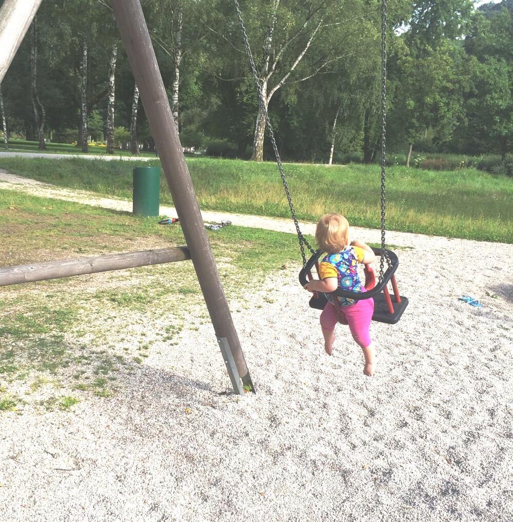 sommer-am-spielplatz-mamasprosse-die-kleine-botin-2