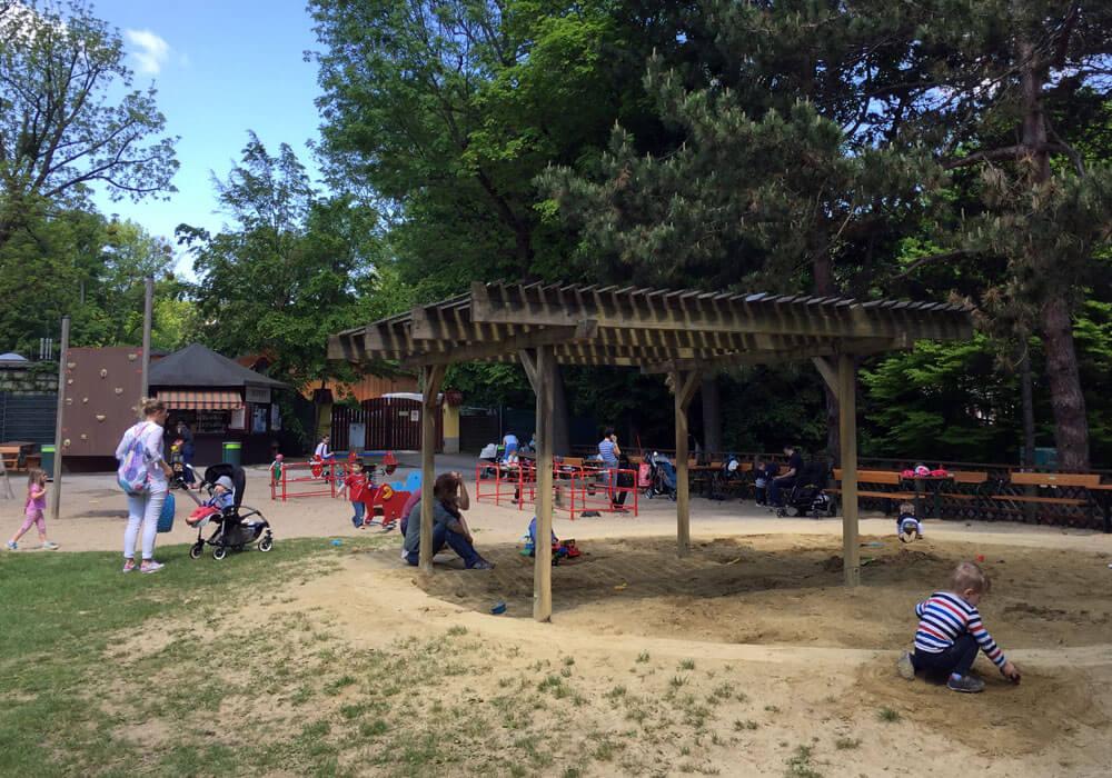 01 poetzleinsdorfer park Babyspielplatz