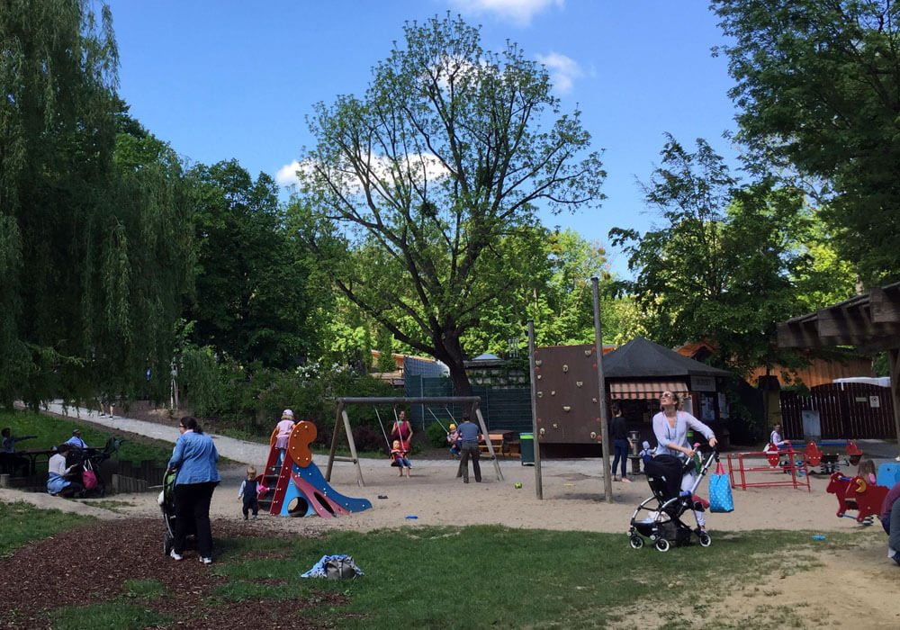 02 poetzleinsdorfer park babyspielplatz