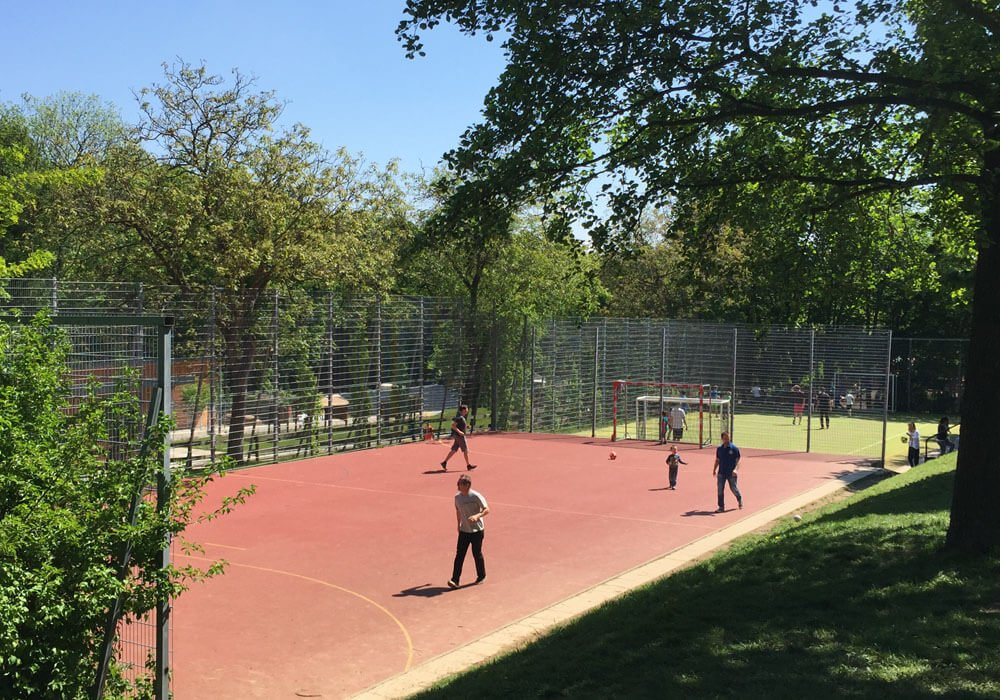 07 poetzleinsdorfer park sportplatz