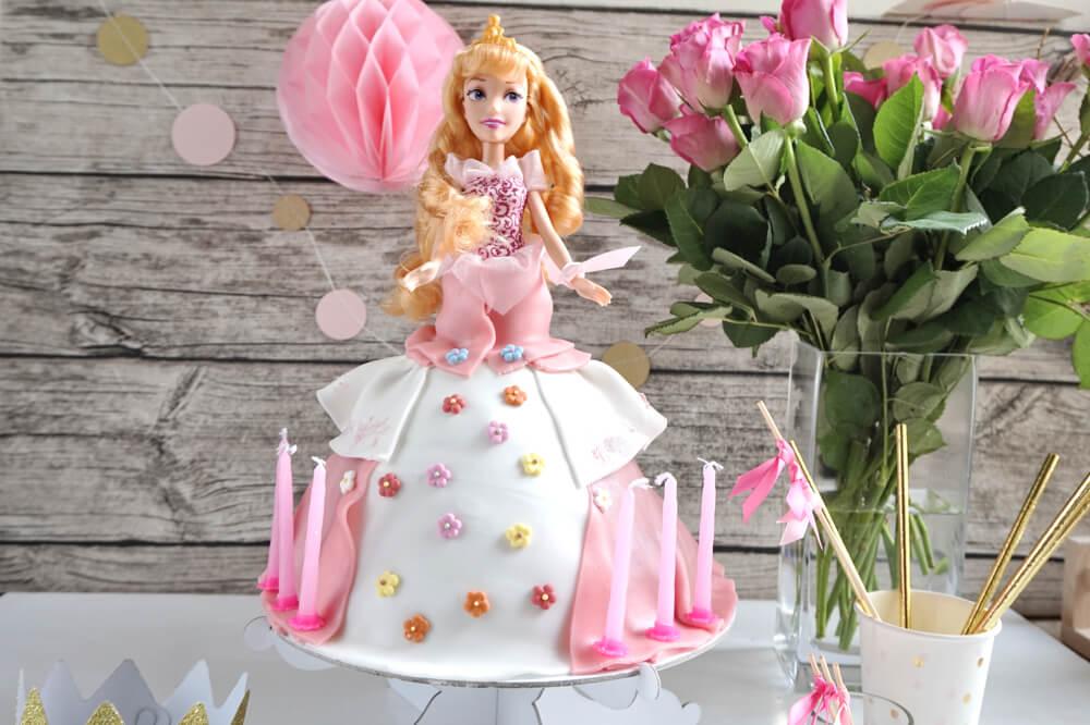 Die einfachste Barbie®-Torte der Welt selber backen. Die komplette ...
