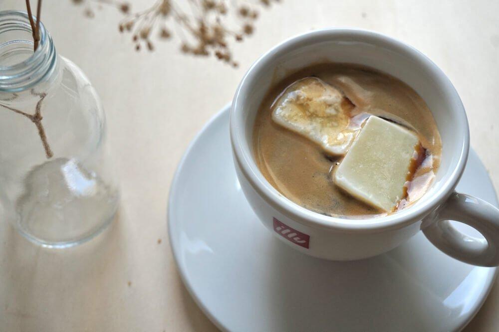 kaffee muntermacher genuss und nachhaltige kaffeesatz verwendung die kleine botin. Black Bedroom Furniture Sets. Home Design Ideas