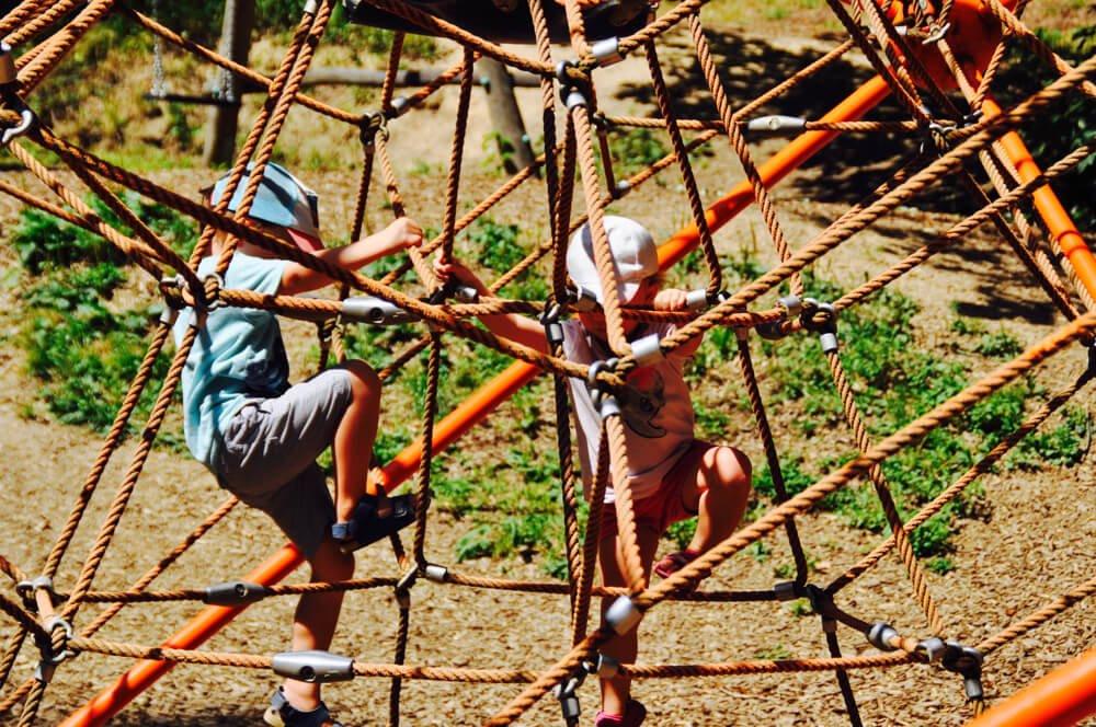 kuernbergerwald sommer am spielplatz 5