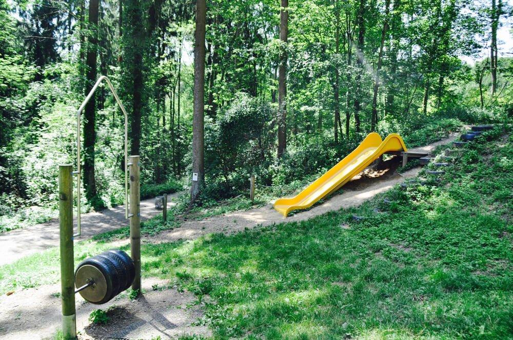 kuernbergerwald sommer am spielplatz 6