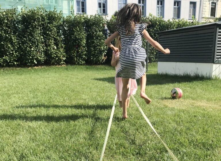 Terrasse für kleine GärtnerInnen | Wir lieben die magischen Einhorngärtchen von TOMY