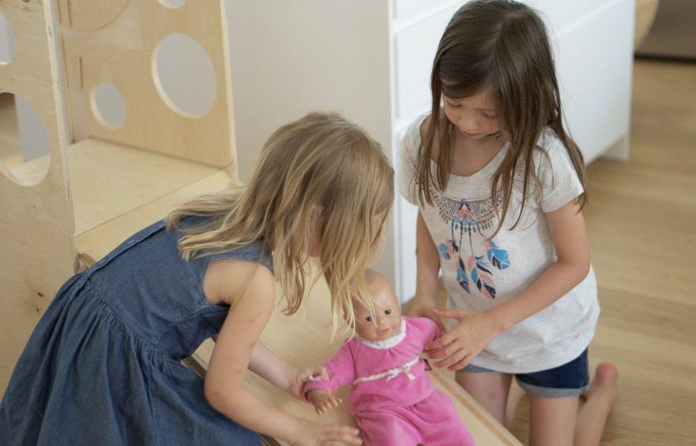 leea toys learningtower die kleine botin 10 1