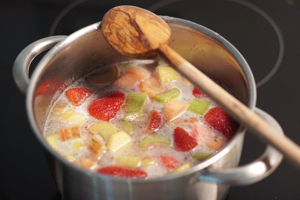 rhabarber erdbeer sirup 3 1