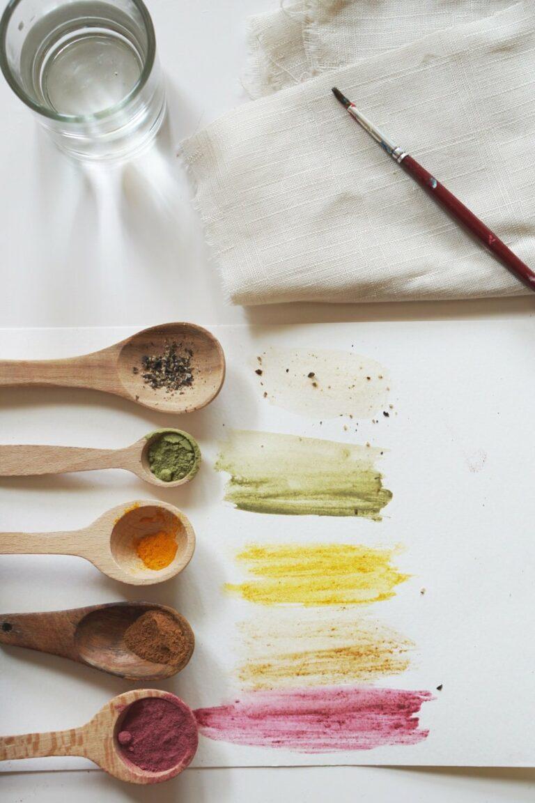 Naturfarben aus der Küche | DIY mit botanischen Bildern